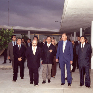 Alberto Campo Baeza with King Juan Carlos at Centre Bit, Mallorca, 1998